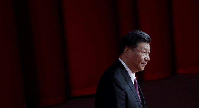Xi Jinping diz que pandemia de coronavírus criou problemas para segurança nacional