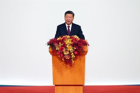 Xi Jinpin: 'sem descanso' nos esforços contra o vírus