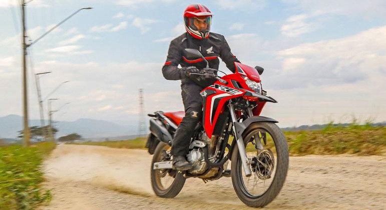 Honda XRE 300 chega a linha 2022