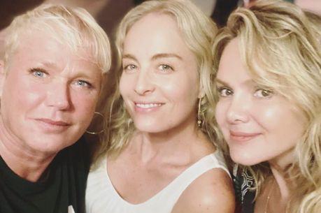 Trio de apresentadoras agitou a web com reencontro