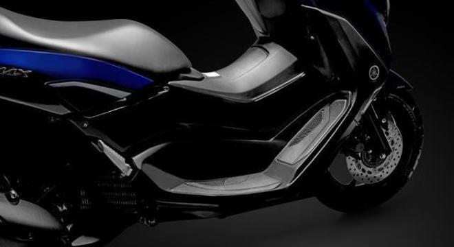 Atendendo a pedidos, Yamaha deixou apoio para pés mais largo