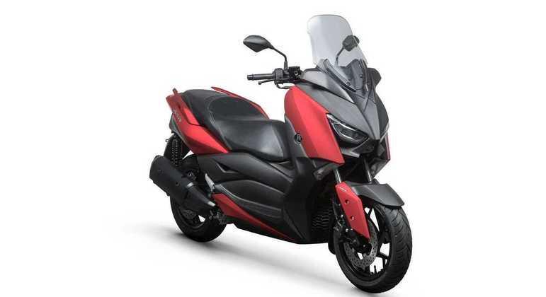 Moto também é oferecida na cor Red Velvet, que é um vermelho fosco