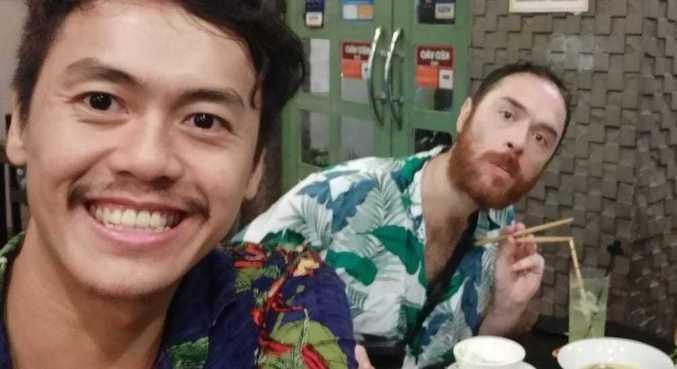 Yann (e) e Adrián foram ao Vietnã passar um mês e ficaram oito pela pandemia