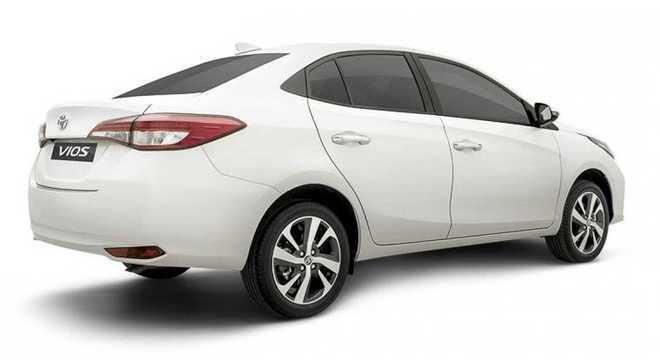 Toyota Yaris terá nova lanterna mas repare que em termos de design pouco muda em 2021
