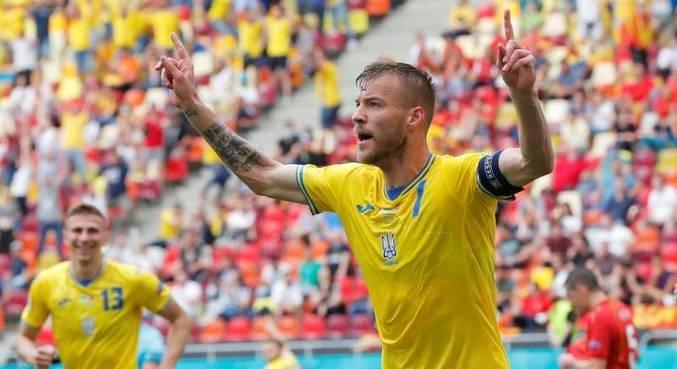 Andriy Yarmolenko fez primeiro gol da vitória da Ucrânia sobre Macedônia do Norte