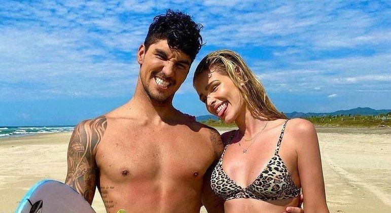 Yasmin Brunet e Gabriel Medina estão juntos desde o início do ano passado