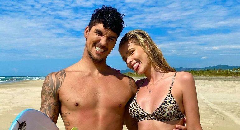 Yasmin Brunet e Gabriel Medina estão juntos há pouco mais de um ano