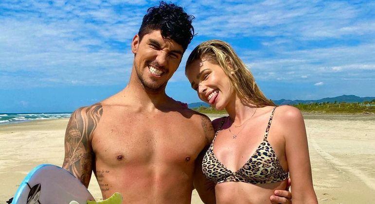 Yasmin Brunet e Gabriel Medina estão juntos desde 2020