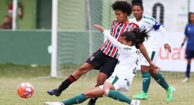 Yaya foi destaque no São Paulo, no Brasileiro da Série A1
