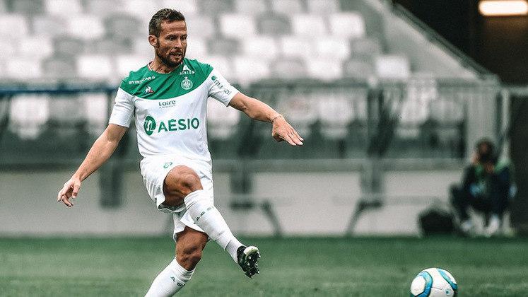 Yohan Cabaye - Meio campista francês que atuou pelo PSG, está sem contrato desde que deixou o Saint-Etiénne em julho deste ano.