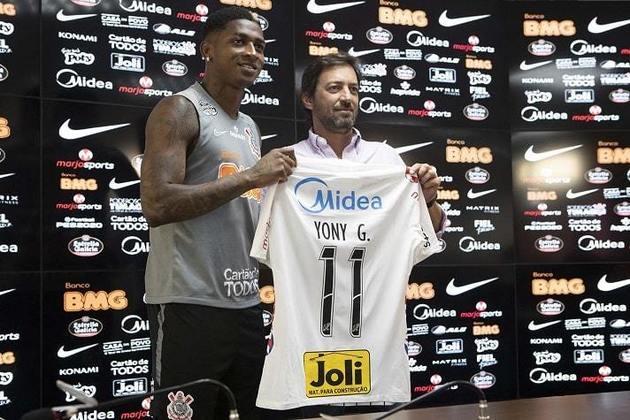 Yony González - Apresentado em 14 de fevereiro - Contratado por empréstimo junto ao Benfica-POR em negociação atrelada á venda de Pedrinho. Jogou pouco até a paralisação. Antes da volta, foi devolvido ao clube português - Fez quatro jogos oficiais, os quatro como titular.