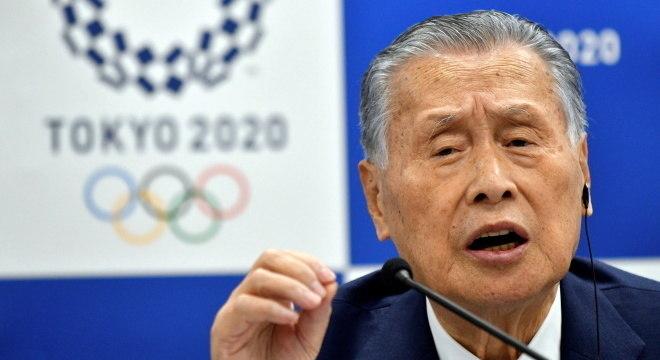 Yoshiro Mori diz que está preocupado, mas organização segue normalmente