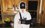 Mais tarde, ele afirmou que ficou apenas com ferimentos leves e publicou essa imagemNÃO PERCA:Lutadora de MMA dá surra violenta em ladrão que furtou celular dela