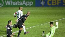 Com três de Ytalo, Bragantino bate Palmeiras e assume liderança