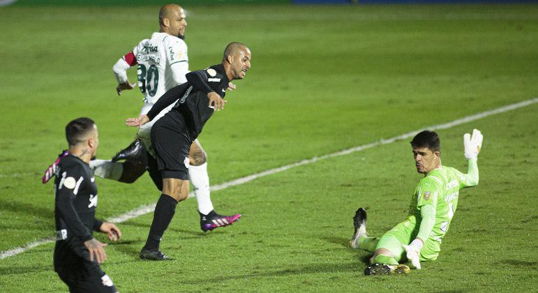 Ytalo, com três gols, foi o destaque da vitória do Bragantino sobre o Palmeiras