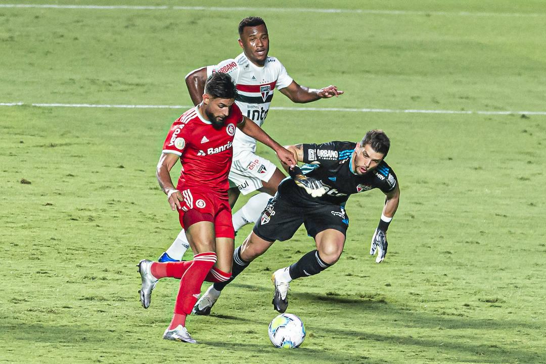 Yuri Alberto marcou três. E perdeu outros dois. O Inter desmoralizou o São Paulo