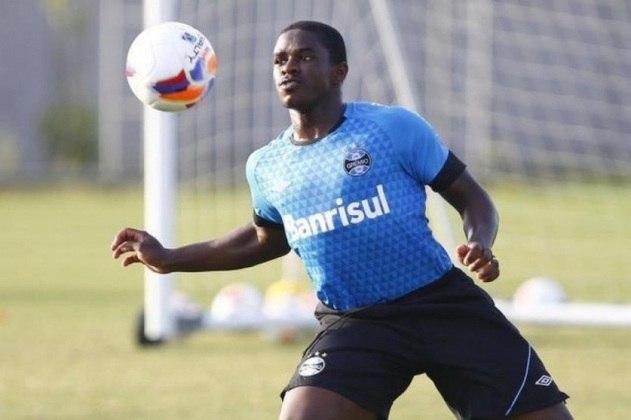 Yuri Mamute (Grêmio): 16 anos e quatro meses foi a idade com a qual o jovem atacante gremista estreou na equipe profissional. Apesar da alta expectativa, Yuri não deslanchou como a diretoria esperava