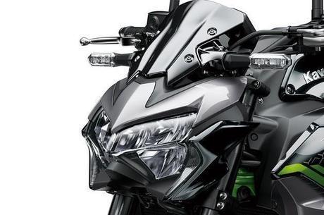 Olhar da Z900 é de predador em busca da presa e agora com iluminação por LED