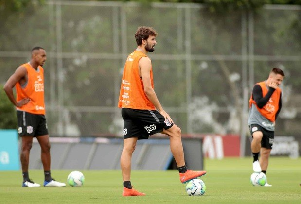 Zagueiro Igor Morais, do sub-23 do Corinthians.