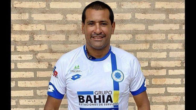 Zagueiro: Paulo da Silva - Idade: 41 anos - Clube: 12 de Octubre de Itauguá (Paraguai)