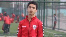 Jogador de futebol afegão morre após cair de avião dos EUA