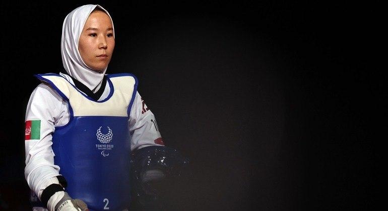 Depois de esforço internacional, a afegã Zakia Khudadadi conseguiu competir na Paralimpíada