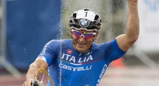 Alex Zanardi tem mais medalhas paralímpicas no ciclismo