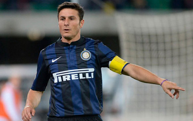 Zanetti foi campeão da Champions League e do Mundial de Clubes da Fifa. Além disso foram cinco títulos italianos