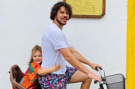 Loreto compartilhou foto com a filha em Paraty-RJ