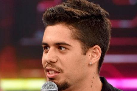 Zé Felipe nega insinuações sobre orientação sexual