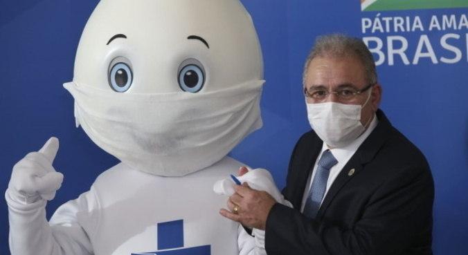 Marcelo Queiroga disse ter garantido 30,5 milhões de vacinas da covid, em abril