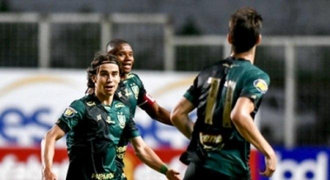 Zé Ricardo abriu o placar no Horto para o América-MG