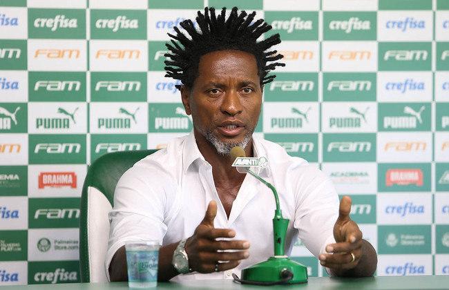 Zé Roberto (46 anos) - Com passagens marcantes pelo futebol alemão e brasileiro, Zé Roberto é conhecido pelo seu vigor físico, tendo atuado até os 43 anos. Ele foi assessor técnico do Palmeiras após se aposentar, ocupou o cargo por dois anos e agora é embaixador do Verdão.
