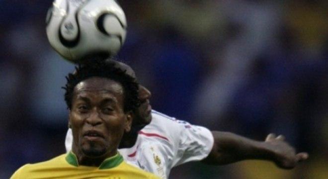 Zé Roberto em Brasil 0x1 França em 2006