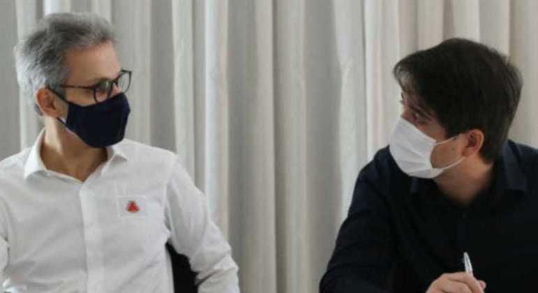 Zema se reuniu com secretário de saúde, Fábio Baccheretti, para tratar da compra de vacinas