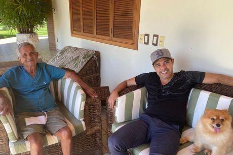 Zezé está em Goiânia, Goiás, para acompanhar o pai