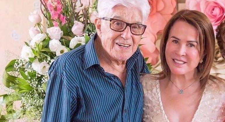 No domingo (8), famosa escreveu um desabafo sobre a morte do pai