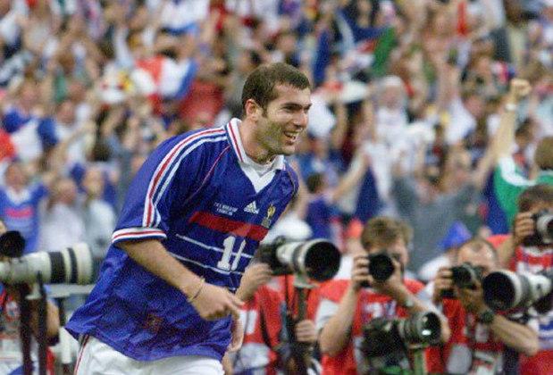Zinedine Zidane: o técnico do Real Madrid foi um dos maiores jogadores franceses de todos os tempos e, em 1998, ele foi um dos grandes responsáveis pela conquista da Copa – na final, dois gols no 3 a 0 sobre o Brasil vieram dele.