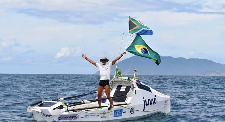 Zirk Botha cruzou sozinho o Atlântico e bateu recorde de tempo na travessia