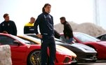A paixão por carros velozes é antiga, especialmente pela Ferrari. Um amor antigo de Ibrahimovic éo modelo F430 Spider, que na época do lançamento custava cerca de120 mil euros (R$754 mil na cotação atual)