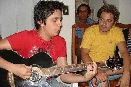 Cantora Maiara comentou foto antiga do namorado