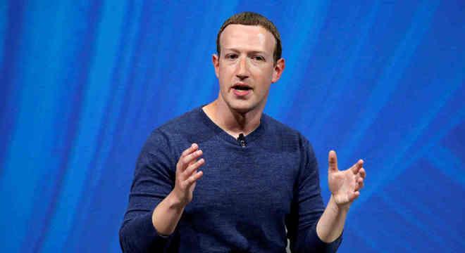 Fundador do Facebook nega que deixará a presidência do conselho da empresa