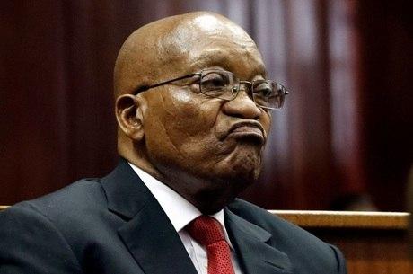Sudafrica: Ordenan detención de expresidente Zuma